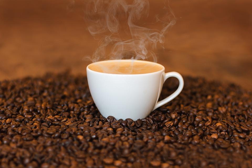 Photo par fxxu / CC0 -  Le café stimule les glandes surrénales, ce qui signifie que chaque fois que vous buvez du café, vous activez une réponse du corps au combat ou à la fuite