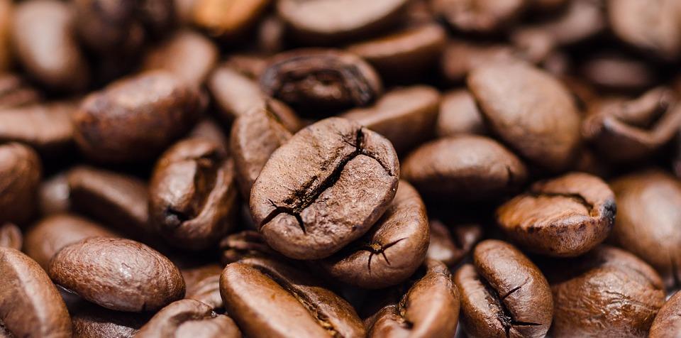 Photo par Skitterphoto / CC0 - Une fois que les effets de la caféine ont disparu, vous vous sentirez plus fatigué qu'avant d'avoir bu votre café, et si vous êtes un gros consommateur vous risquez même d'avoir la migraine